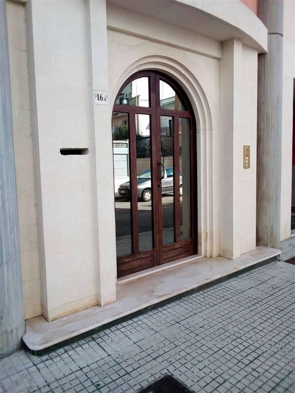 Appartamento in affitto a Lecce, 2 locali, zona Zona: P. Ariosto, prezzo € 450 | CambioCasa.it
