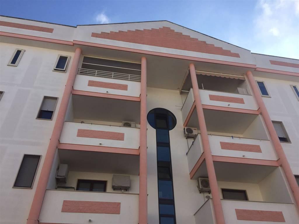 Appartamento in vendita a Surbo, 4 locali, zona Località: GIORGILORIO, prezzo € 95.000   CambioCasa.it