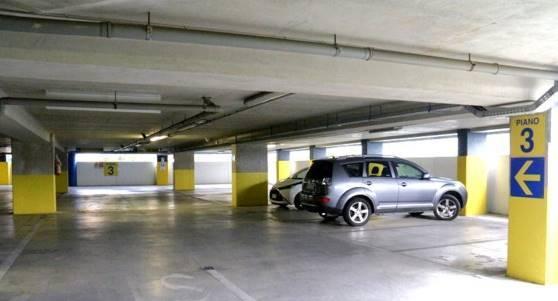 garage-Box-posto auto  in Affitto a Livorno