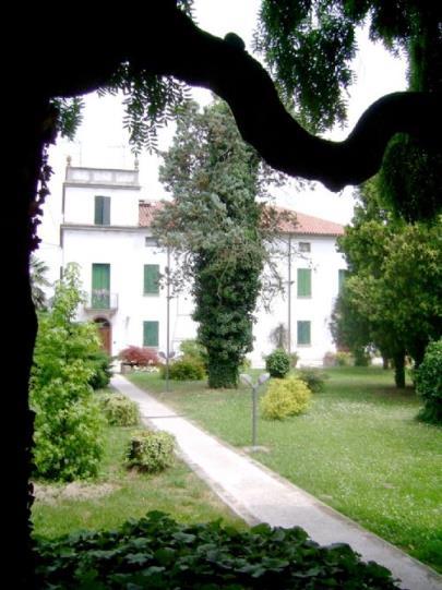 Villa in vendita a Crespino, 6 locali, prezzo € 750.000 | CambioCasa.it