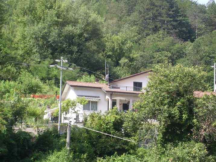 Villa in Vendita a Fivizzano