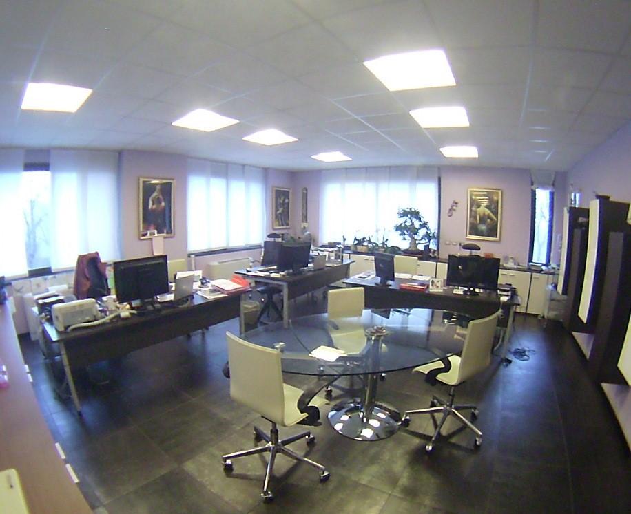 Ufficio / Studio in vendita a Brugherio, 1 locali, prezzo € 360.000 | Cambio Casa.it
