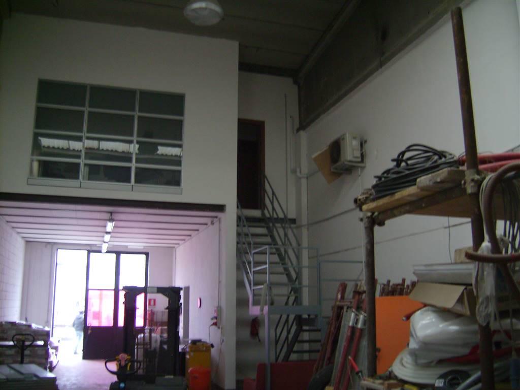 Capannone in affitto a Cologno Monzese, 3 locali, prezzo € 1.000 | Cambio Casa.it