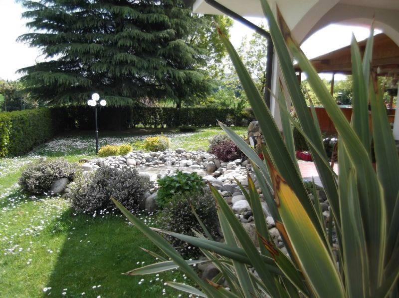 Villa Bifamiliare in vendita a Agrate Brianza, 5 locali, prezzo € 565.000 | Cambio Casa.it