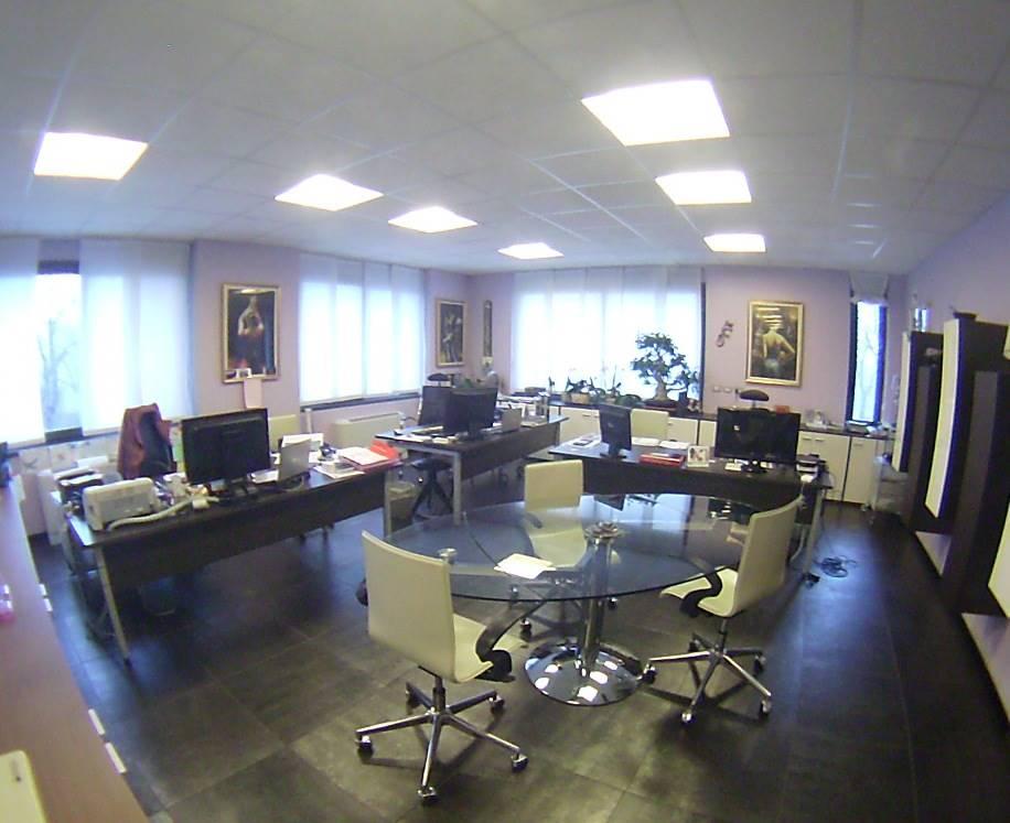 Ufficio / Studio in affitto a Brugherio, 1 locali, prezzo € 1.500 | CambioCasa.it