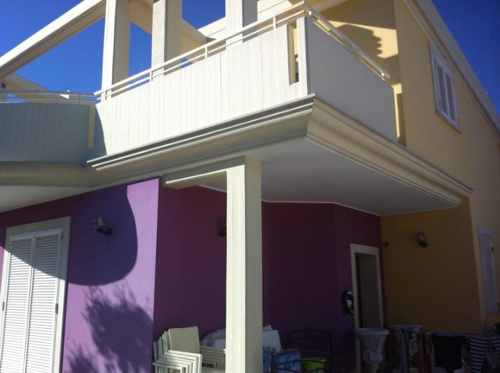 Villa in vendita a Bari, 7 locali, zona Zona: Palese, prezzo € 450.000 | CambioCasa.it