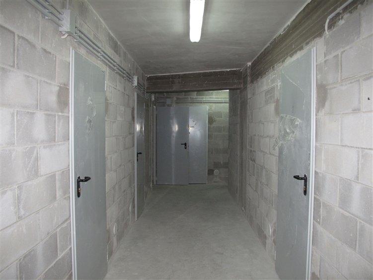 Box / Garage in vendita a Bari, 1 locali, zona Località: SANTO SPIRITO, prezzo € 3.000 | Cambio Casa.it