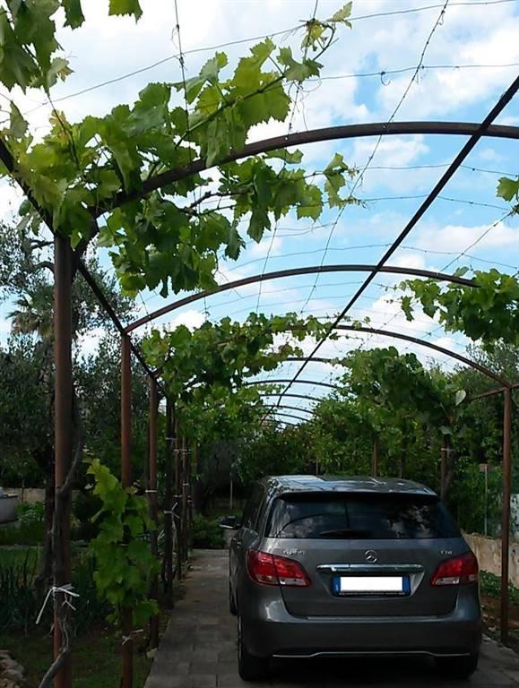 Villa in vendita a Bari, 5 locali, zona Zona: Palese, prezzo € 300.000 | CambioCasa.it