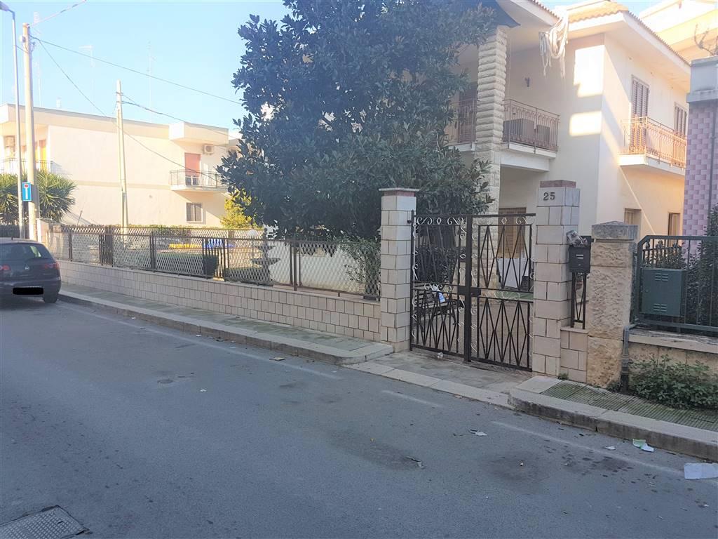 Villa in vendita a Bari, 3 locali, zona Zona: Palese, prezzo € 195.000 | Cambio Casa.it