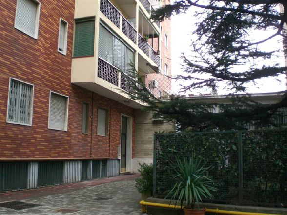 Monolocale in Via Bellazzi  7, Milano