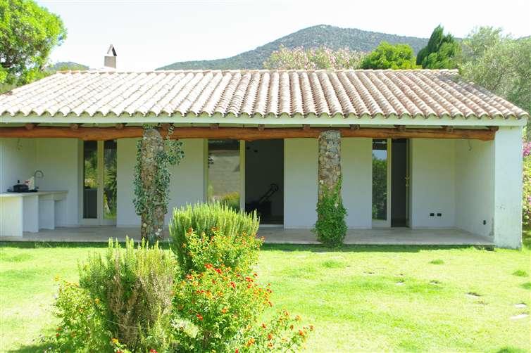 Villa in vendita a Teulada, 4 locali, prezzo € 330.000 | CambioCasa.it