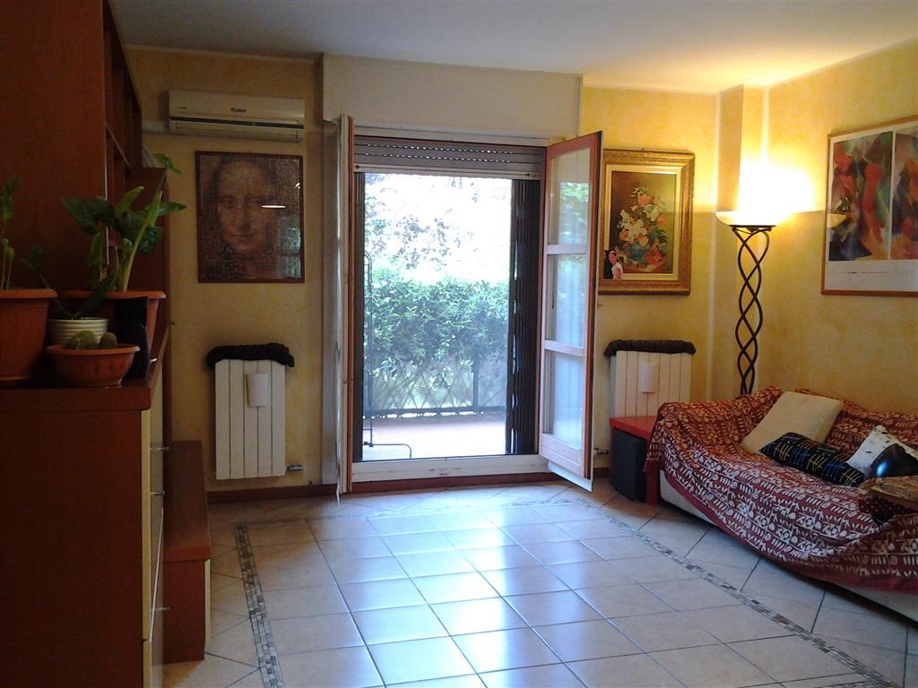 Appartamento in Via Mezzanotte, Chiesa Rossa, Cermenate, Ripamonti, Milano