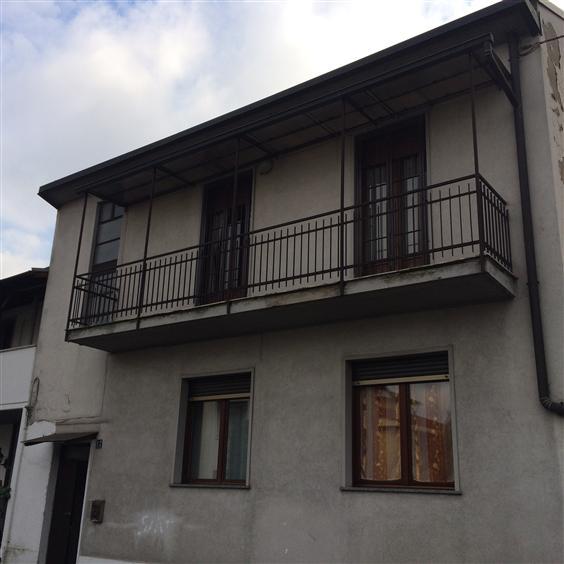 Appartamento in vendita a Nova Milanese, 3 locali, prezzo € 120.000 | CambioCasa.it