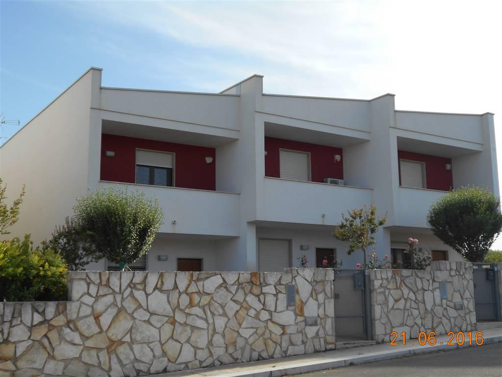 Villa a schiera in Zona b 19/a23, Noci