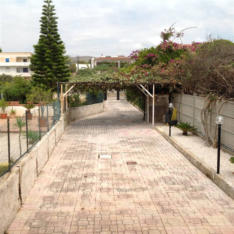 Soluzione Indipendente in vendita a Realmonte, 5 locali, zona Località: SCAVUZZO, prezzo € 110.000 | Cambio Casa.it