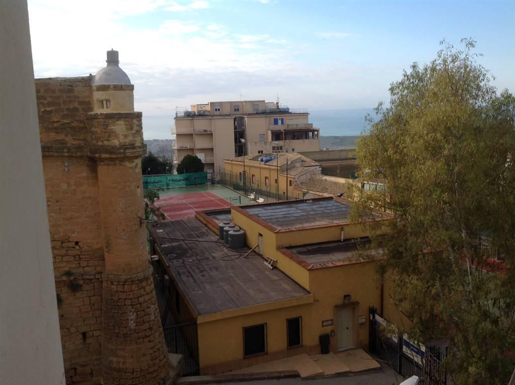 Appartamento in affitto a Agrigento, 5 locali, zona Zona: Centro, prezzo € 390 | CambioCasa.it