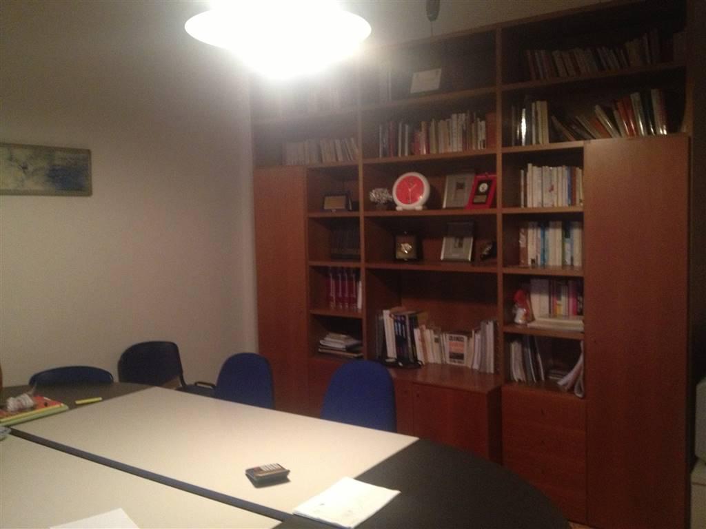 Appartamento in affitto a Agrigento, 4 locali, zona Zona: Centro, prezzo € 500 | Cambio Casa.it