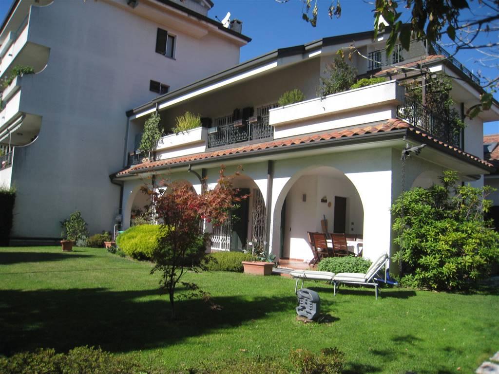 Villa Bifamiliare in Vendita a Vedano al Lambro