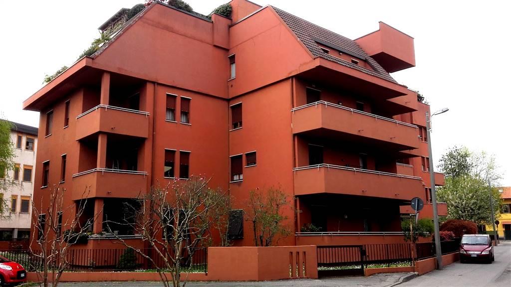 Appartamento in vendita a Lissone, 3 locali, prezzo € 138.000 | CambioCasa.it