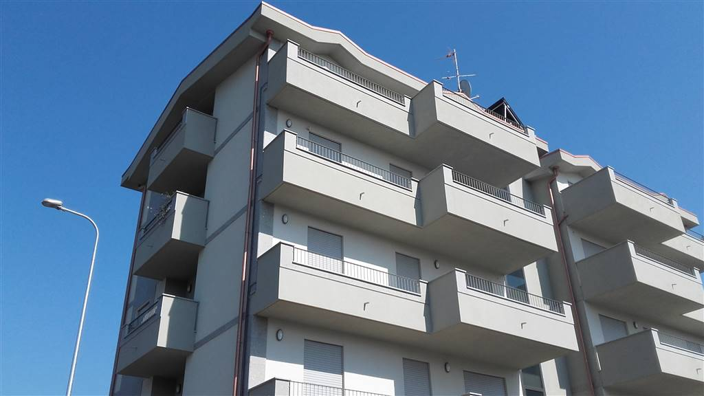 Appartamento in vendita a Lissone, 4 locali, prezzo € 260.000 | CambioCasa.it