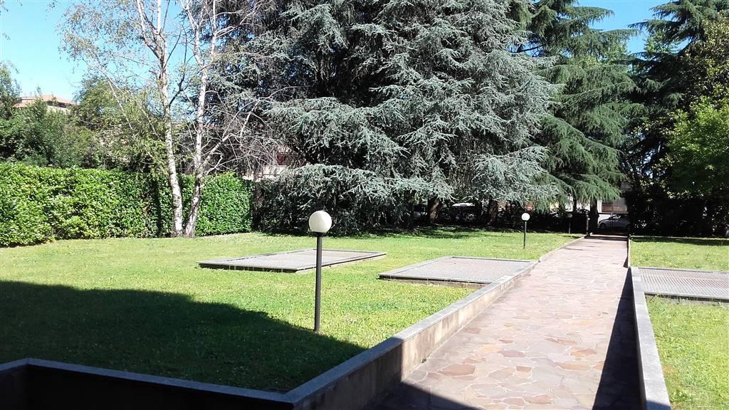 Appartamento in vendita a Monza, 2 locali, zona Località: PARCO, prezzo € 140.000 | CambioCasa.it