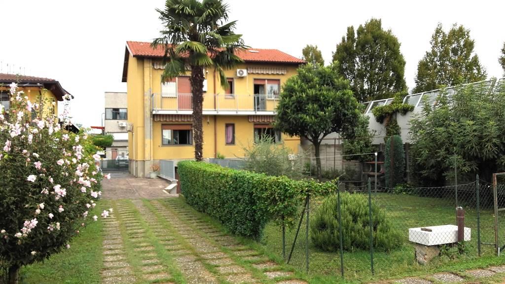 Villa Bifamiliare in Vendita a Lissone