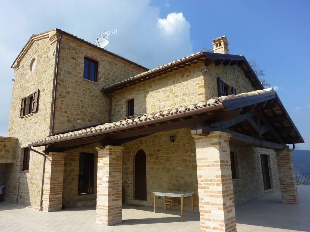 Villa-Villetta Vendita Castelraimondo