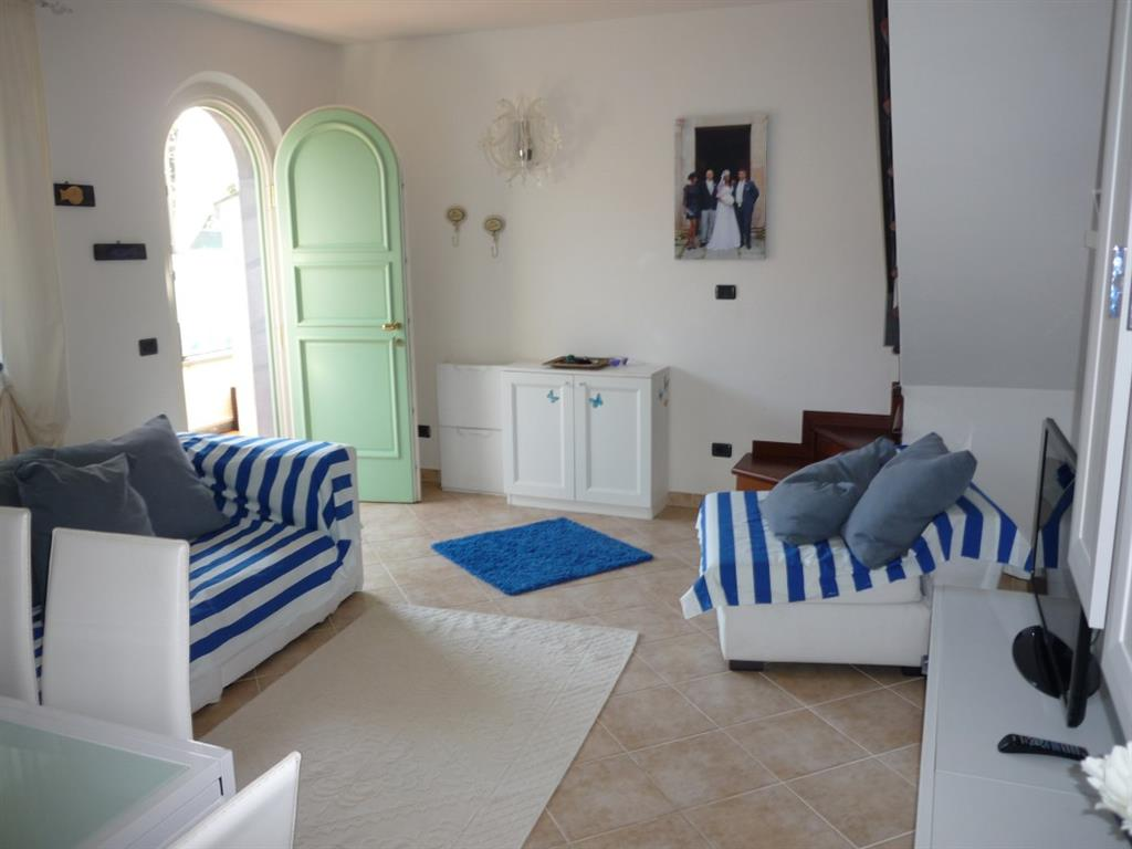 Soluzione Indipendente in vendita a Montignoso, 4 locali, zona Zona: Cinquale, prezzo € 450.000 | Cambio Casa.it