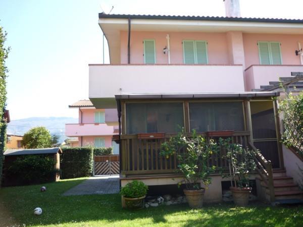 Villa in vendita a Montignoso, 4 locali, zona Zona: Cinquale, prezzo € 430.000   Cambio Casa.it