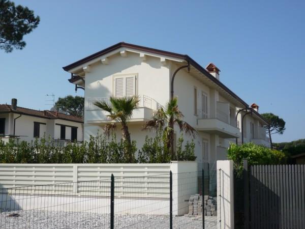 Villa in vendita a Montignoso, 5 locali, zona Zona: Cinquale, Trattative riservate   Cambio Casa.it