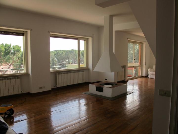 Vendita appartamenti con terrazzo a roma e case con for Appartamenti vendita roma