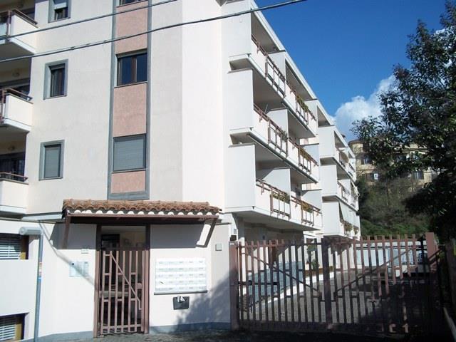 Bilocale in Via Saronno 26, Giustiniana, Roma