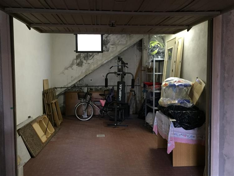 Box / Garage in Affitto a Signa