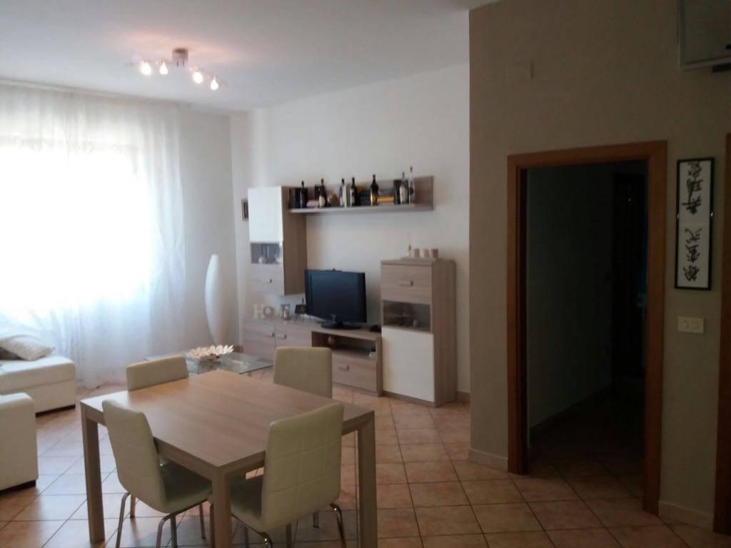 Appartamento in affitto a Signa, 4 locali, zona Località: CENTRO, prezzo € 730 | CambioCasa.it