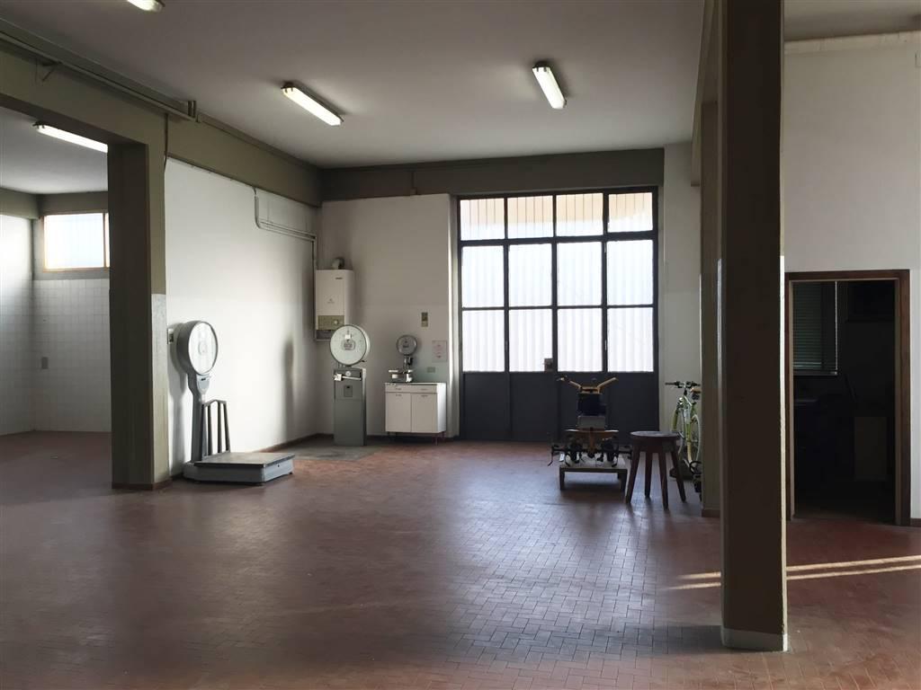 Capannone in vendita a Signa, 8 locali, zona Zona: Colli Alti, prezzo € 970.000   CambioCasa.it