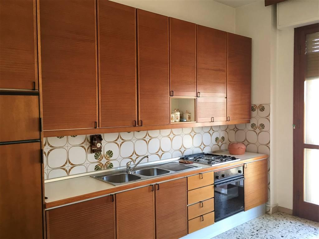 Appartamento in affitto a Signa, 4 locali, zona Località: CENTRO, prezzo € 780 | CambioCasa.it
