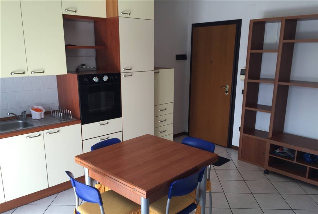 Appartamento in affitto a Signa, 2 locali, zona Località: COLLI BASSI, prezzo € 600 | Cambio Casa.it