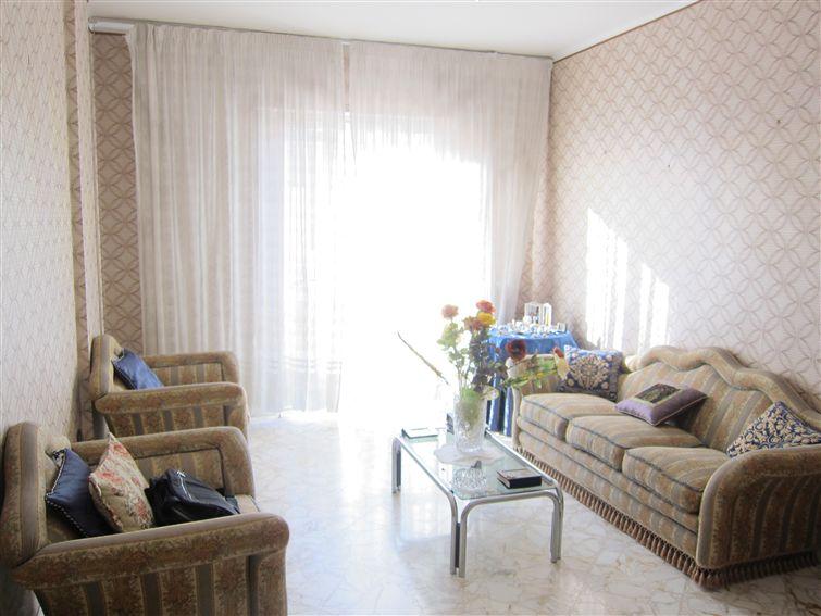 Appartamento in vendita a Monopoli, 6 locali, zona Località: CENTRO, prezzo € 185.000 | Cambio Casa.it