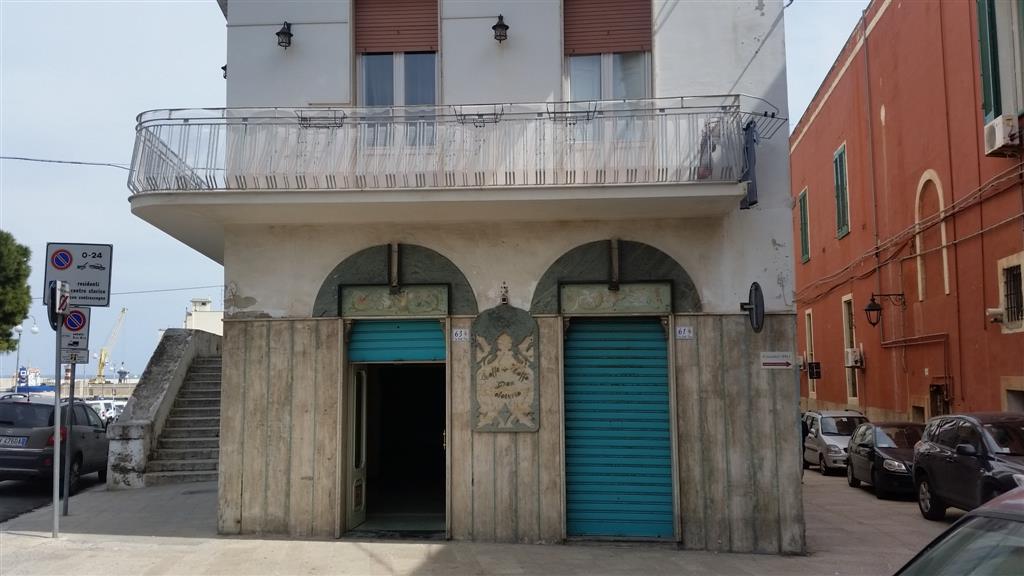 Attività / Licenza in vendita a Monopoli, 4 locali, zona Località: CENTRO, Trattative riservate | Cambio Casa.it