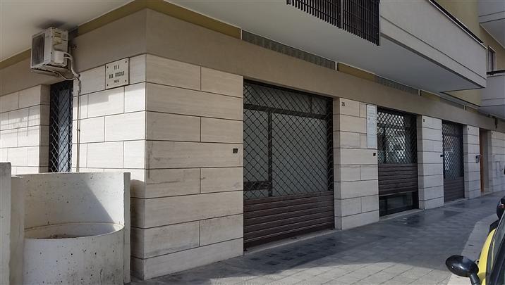 Immobile Commerciale in vendita a Monopoli, 9999 locali, zona Località: SUD, Trattative riservate | Cambio Casa.it