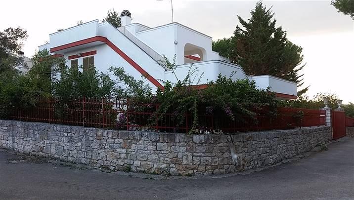 Villa in vendita a Castellana Grotte, 8 locali, prezzo € 220.000 | CambioCasa.it
