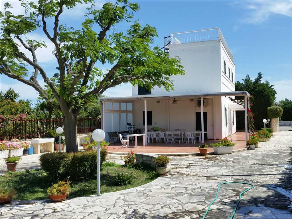 Villa in vendita a Monopoli, 5 locali, zona Località: SUD, prezzo € 300.000 | CambioCasa.it