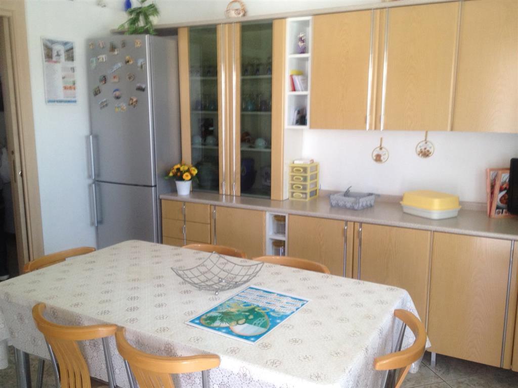 Appartamento in vendita a Monopoli, 4 locali, zona Località: NORD, prezzo € 195.000 | Cambio Casa.it