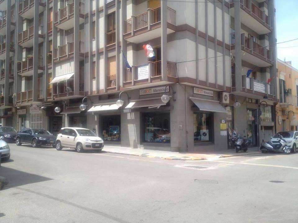 Immobile Commerciale in affitto a Monopoli, 9999 locali, zona Località: CENTRO, Trattative riservate | Cambio Casa.it