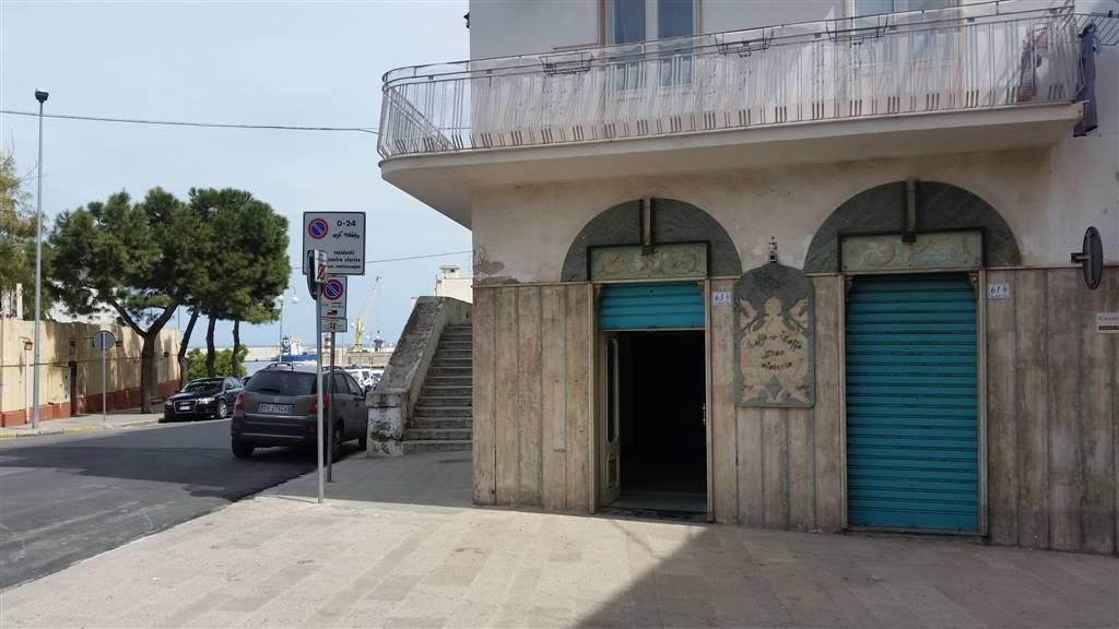 Immobile Commerciale in affitto a Monopoli, 4 locali, prezzo € 2.300 | Cambio Casa.it