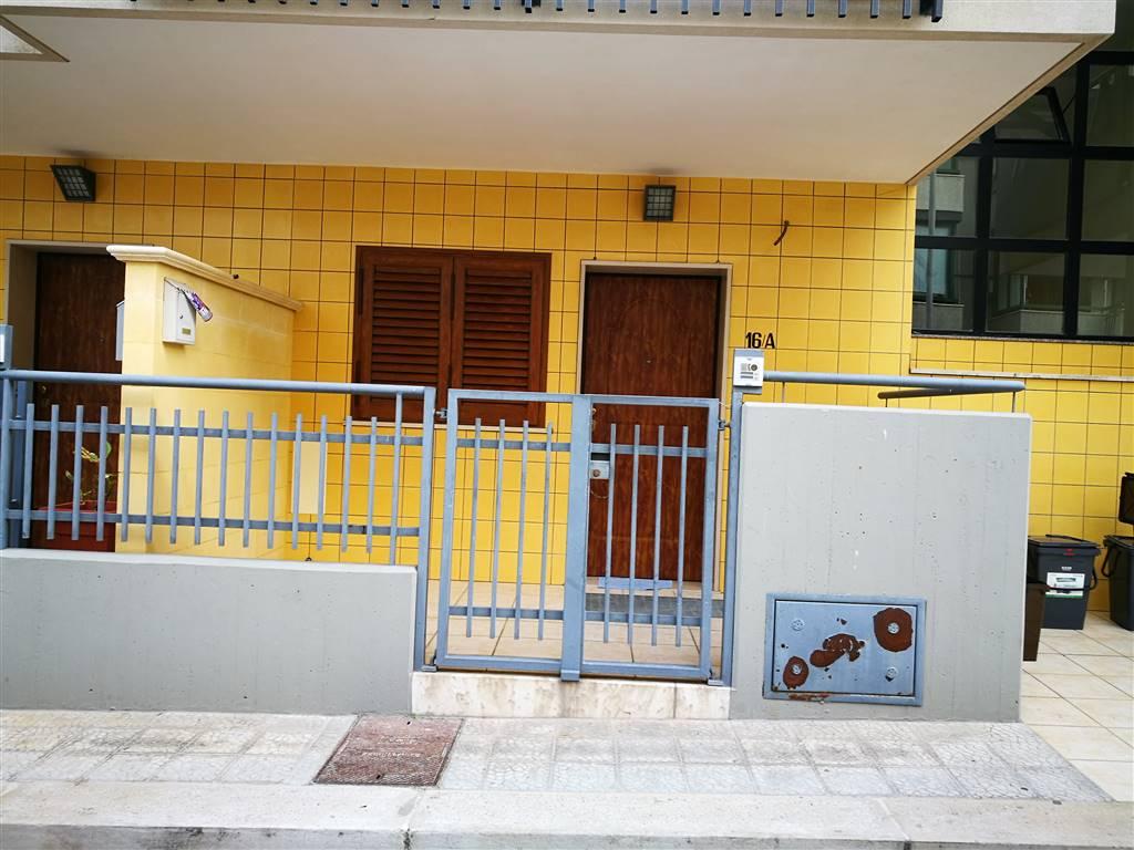 Appartamento in vendita a Monopoli, 3 locali, prezzo € 185.000 | CambioCasa.it