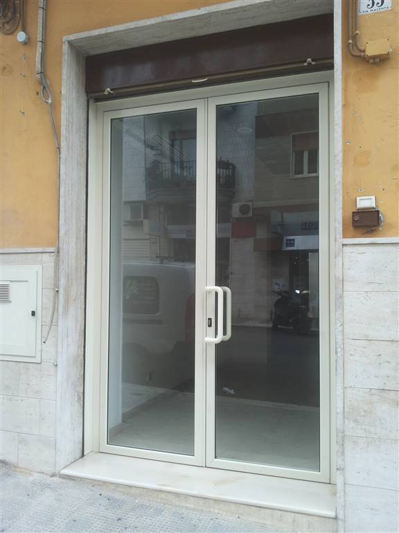 Immobile Commerciale in affitto a Monopoli, 1 locali, prezzo € 550 | Cambio Casa.it