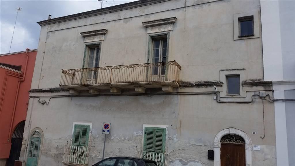 Appartamento in vendita a Monopoli, 4 locali, zona Località: PORTO, prezzo € 220.000 | CambioCasa.it