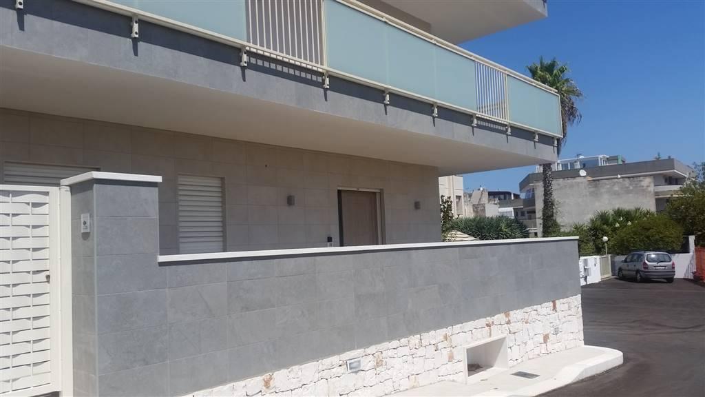 Appartamento in vendita a Monopoli, 3 locali, zona Località: SEMICENTRALE, prezzo € 270.000 | CambioCasa.it