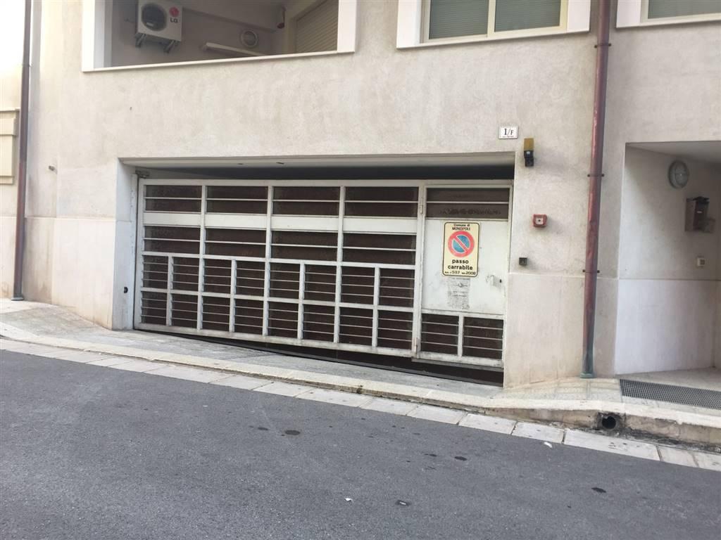Box / Garage in vendita a Monopoli, 1 locali, zona Località: CENTRO, prezzo € 55.000 | CambioCasa.it